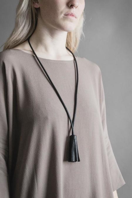 Adder Jewelry Single Tassel Leather Necklace