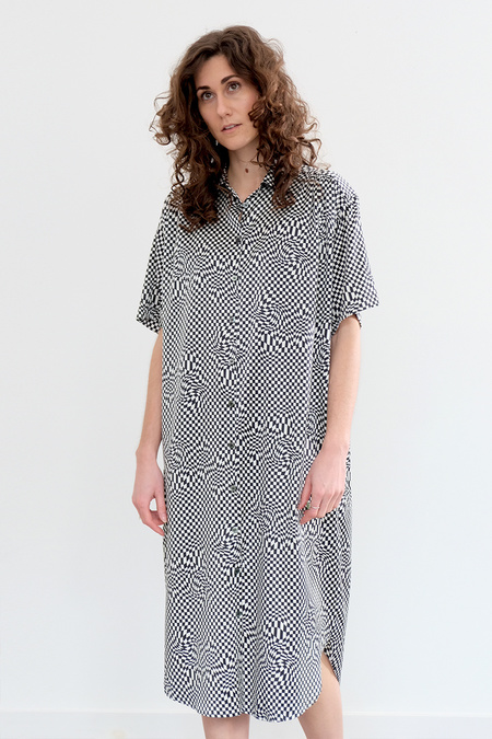 6397 Silk Pyscadellic Shirt Dress - Black/White