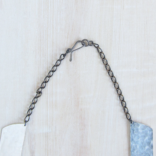 Christine Fail shale collar necklace - silver