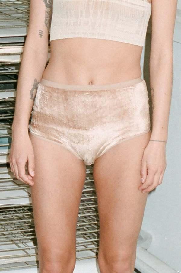Baserange - Highwaisted Bell Pants Velours
