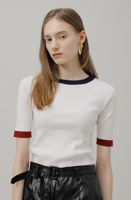 AMONG SEOUL A Slim Color Knit Top