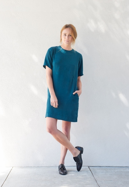 Kamperett Cliff Silk Dress in Juniper