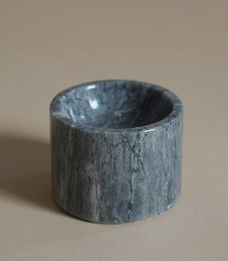 MAAARI 004 ROOTED INCENSE HOLDER - BLACK