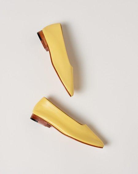 Martiniano Glove Flat Shoe - Banana