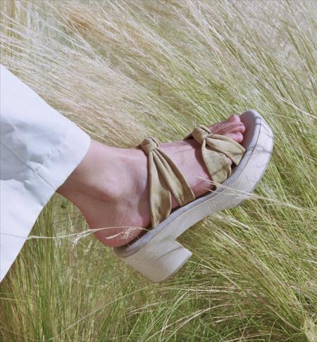 Atelier Sabot Brigitte clog mules - Light olive