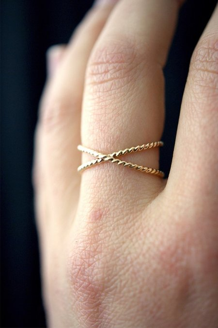 Hannah Naomi TWISTED X RING