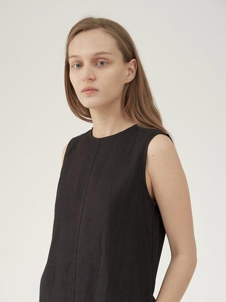 Hasto Clay Linen Dress - Black