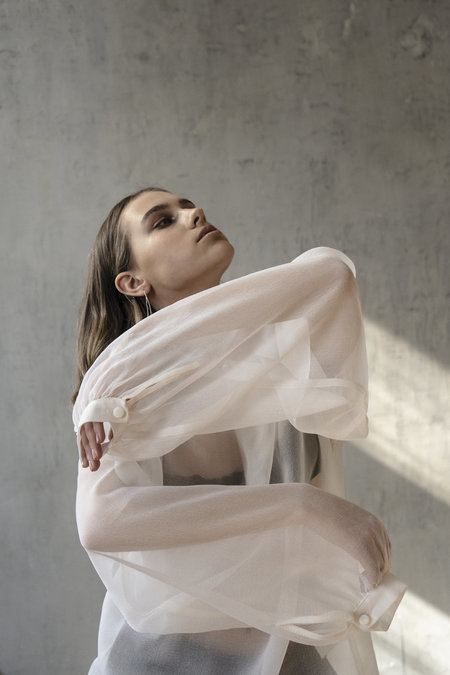 K M by L A N G E SILK WEIGHTLESS CROSSOVER BLOUSE - OFF WHITE