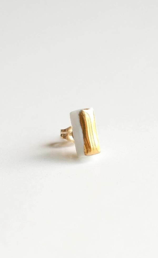 Jujumade gold bar earring