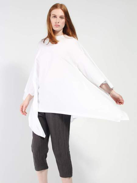House of the Very Islands Rectangle T-Shirt - White