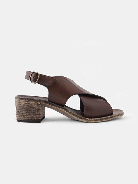 maison del soil cross sandal - brown