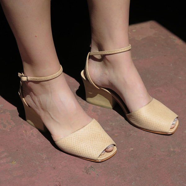 creatures of comfort kal sandal