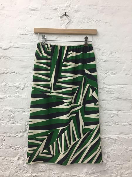 A Détacher Singrid Crepe Bias Skirt with Elastic Waistband - Arrows Print