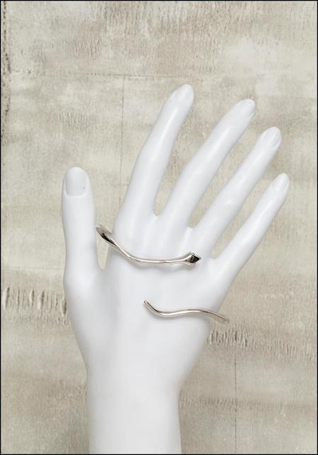 De La Rosa Snake Handcuff - Silver