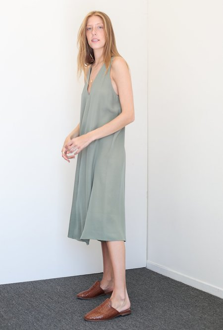 KAAREM Sum Silk Dress - Moss Green