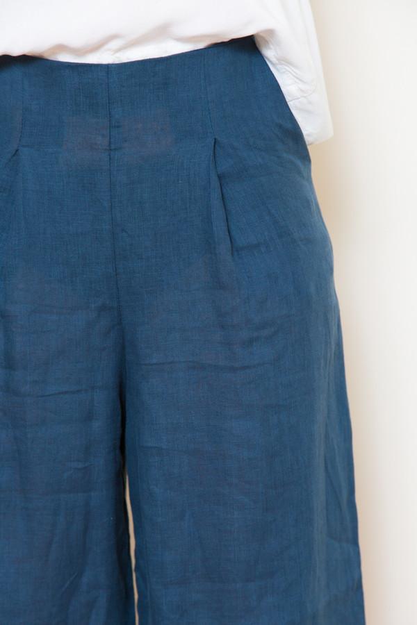 mira mira sam & lavi portia linen pants in navy