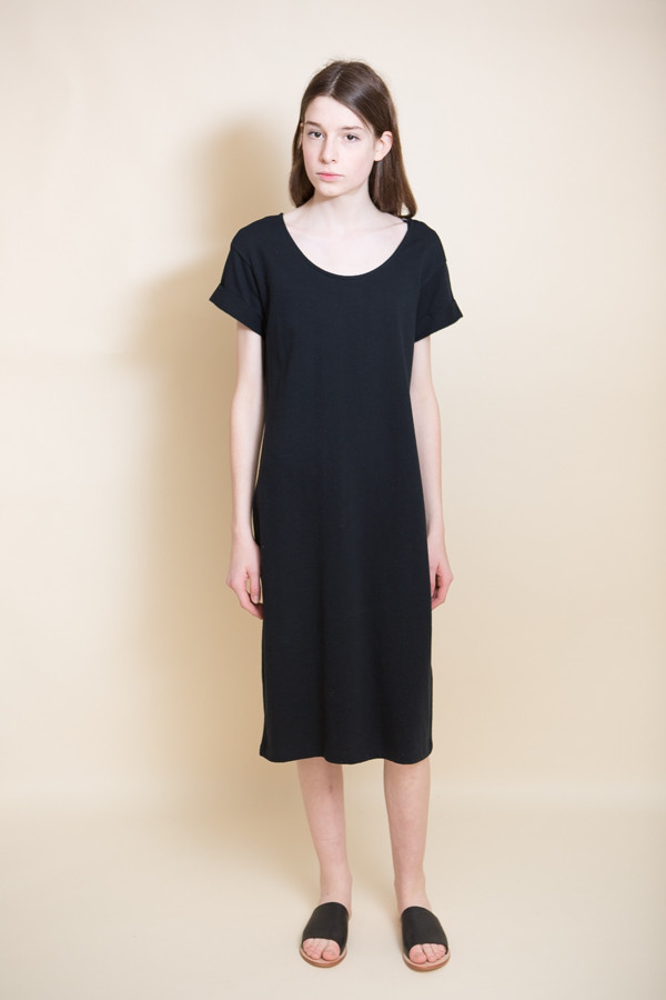Ali Golden Roll Sleeve T-Shirt Dress / Black