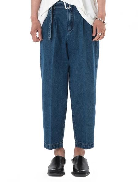 OOPARTS Two Pleats Denim Pants - Blue