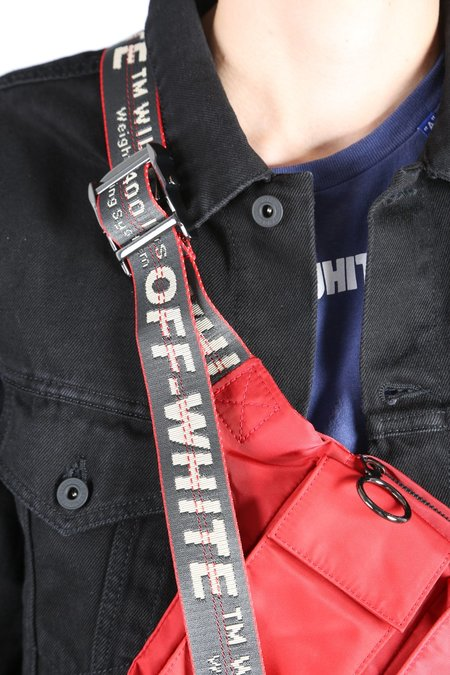 Off White POCKETS FANNYPACK - red