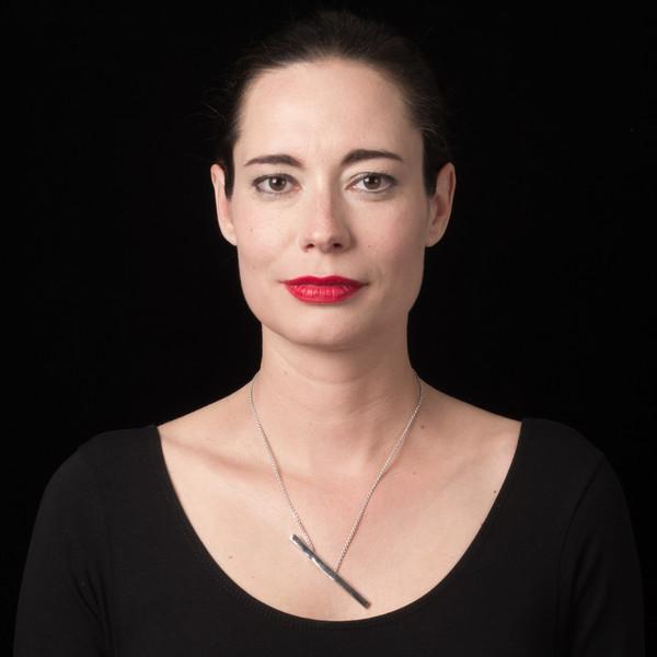 ALYNNE LAVIGNE - Long Bar Necklace
