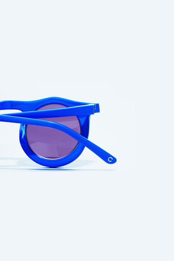 Carla Colour Ovablueku Sunglasses in Nightshade