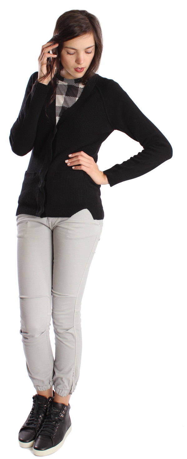 Dear Cashmere Shrunken Snap Cardigan in Black