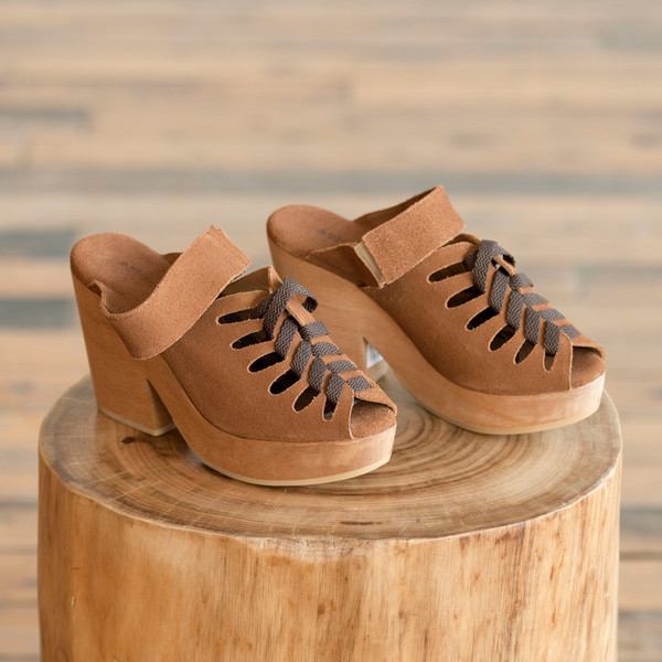 A Detacher Etta Lace-Up Clog Sienna