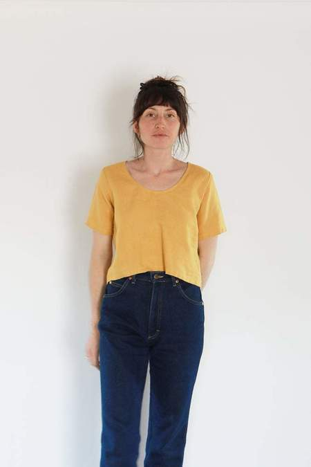 Me & Arrow Linen U Neck Tee - Dandelion