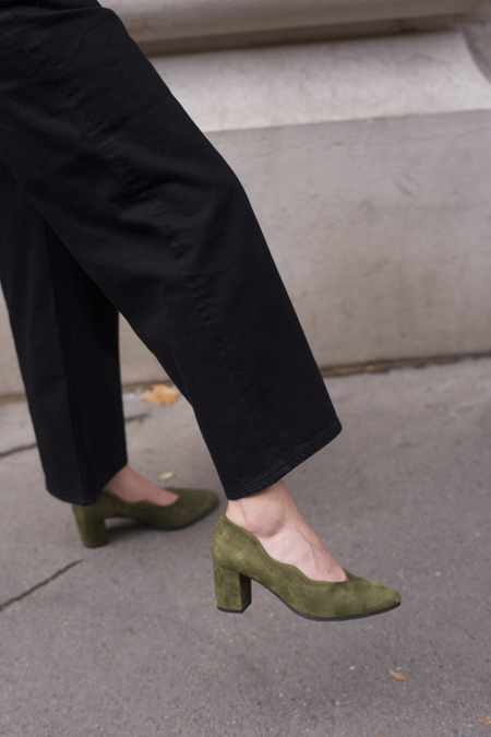 Anne Thomas Mimo Pump - Suede Palude