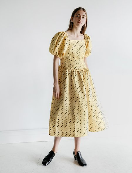 Shrimps Eden Fitted Dress - Banana/Black