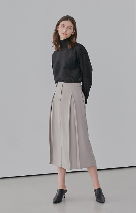 AMONG 2 Tuck SKIRT - BEIGE