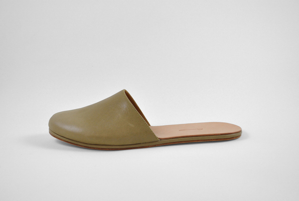 The Palatines Cognitio Mule w/thong - olive leather