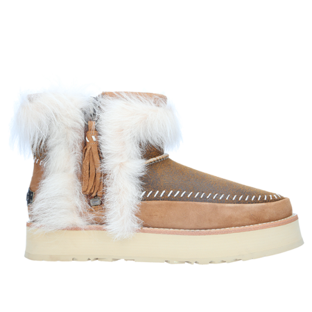 Uggs Classic Wild Boots - Chestnut