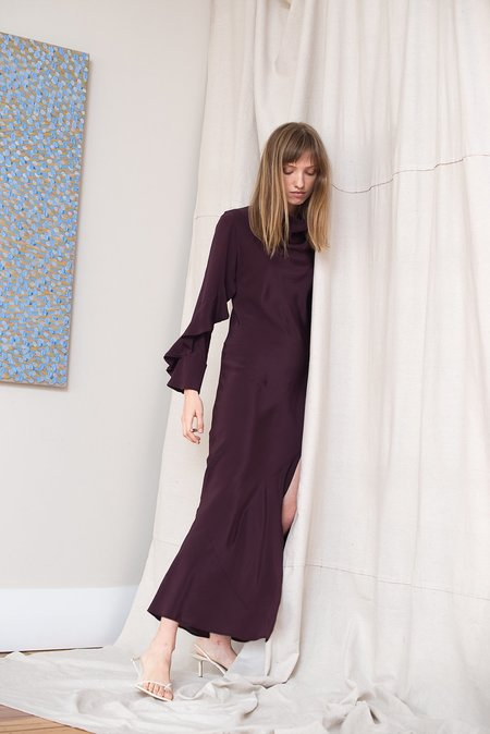 LOCLAIRE Oyster Gown - Aubergine