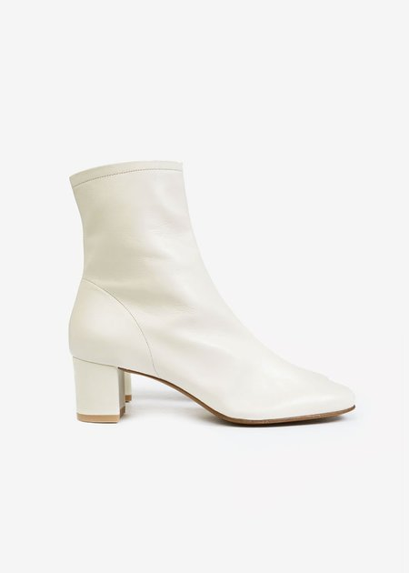 BY FAR Sofia Boots - Off White