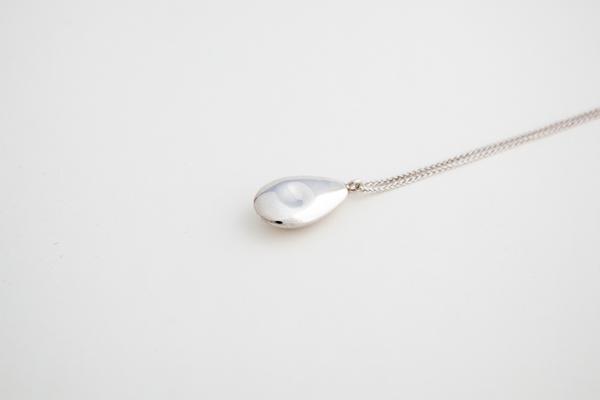 Muraco Wolfe Avocado Pendant Necklace