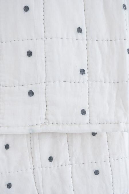 Karu Baby Jamdani Weave Quilt - dot
