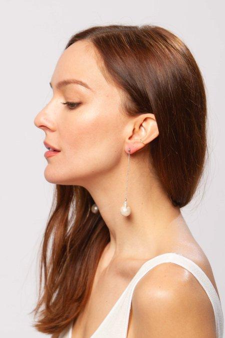 Alajas Tali pearl earrings - white