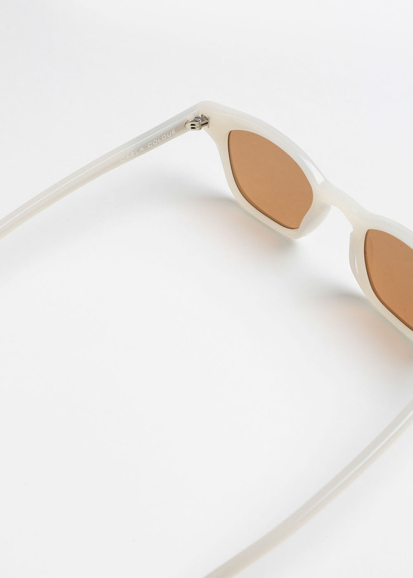 Carla Colour Gaka Sunglasses in Cloud+Sandstorm