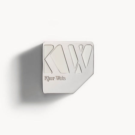 Kjaer Weis Foundation - Velvety