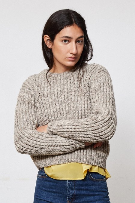 OUND HAND KNITTED WOOL JUMPER - STONE