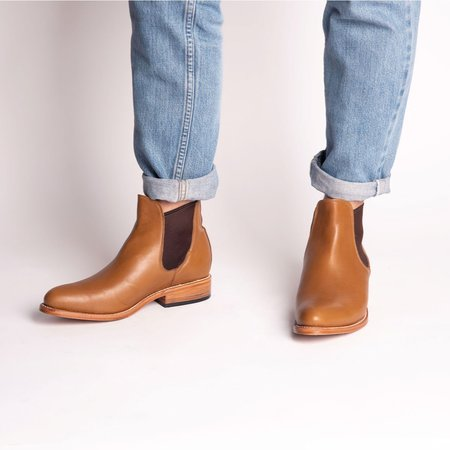 The CANO Shoe MANUEL Chelsea Boot - Cognac