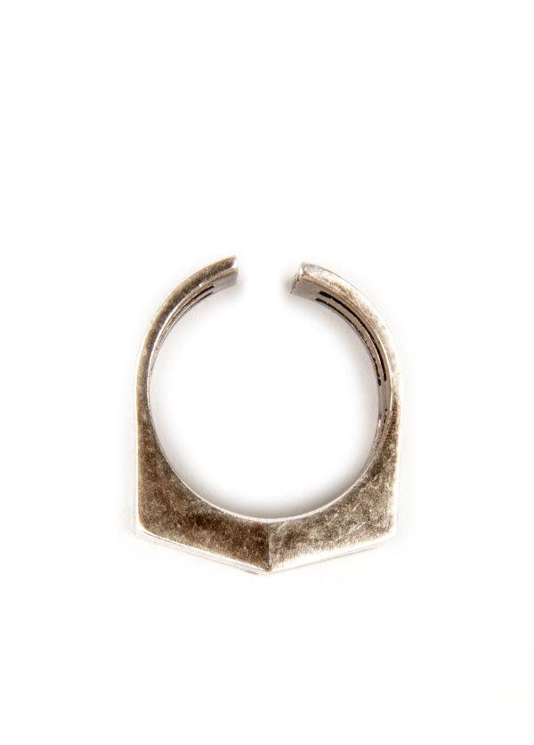 TomTom Jewelry - The Chevron Mini Ring in Oxidized Silver