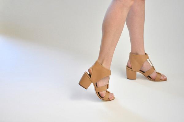 The Palatines Shoes Satis Block Heel Sandal W Thong - Tan Leather