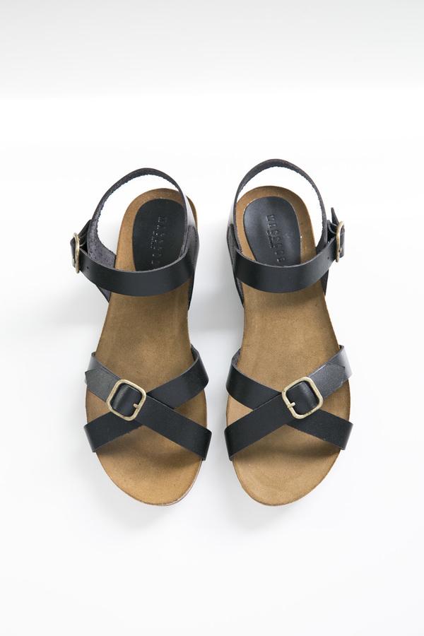 Masscob Antilles Black Leather Buckle Sandal