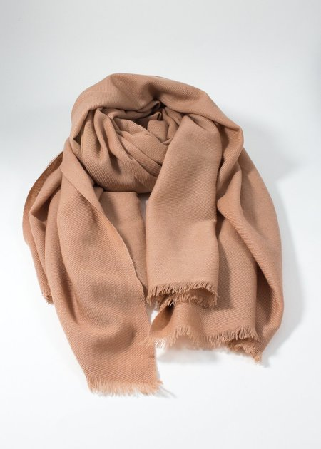 IRIS DELRUBY plain twill cashmere scarf - nude