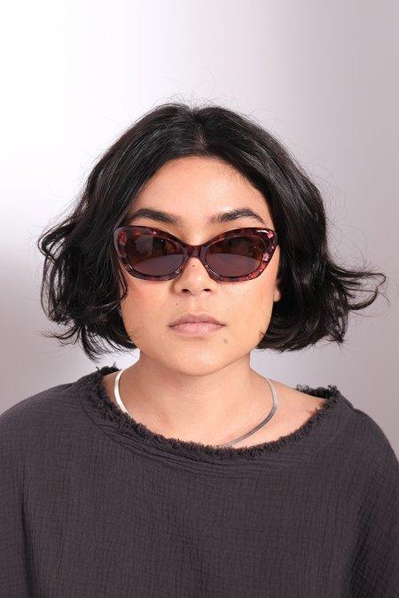 Sun Buddies Elton Sunglasses - Beehive