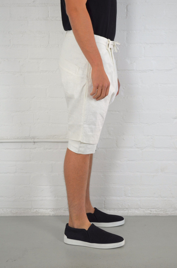 Men's Chapter White Ven Shorts