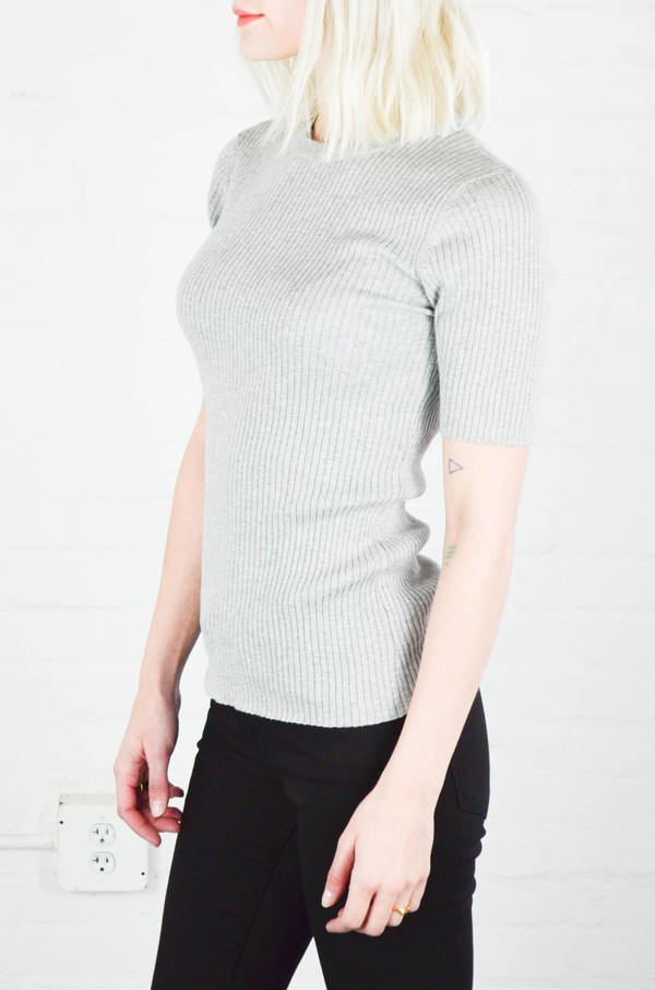 Frame Le Crew Sweater in Gris