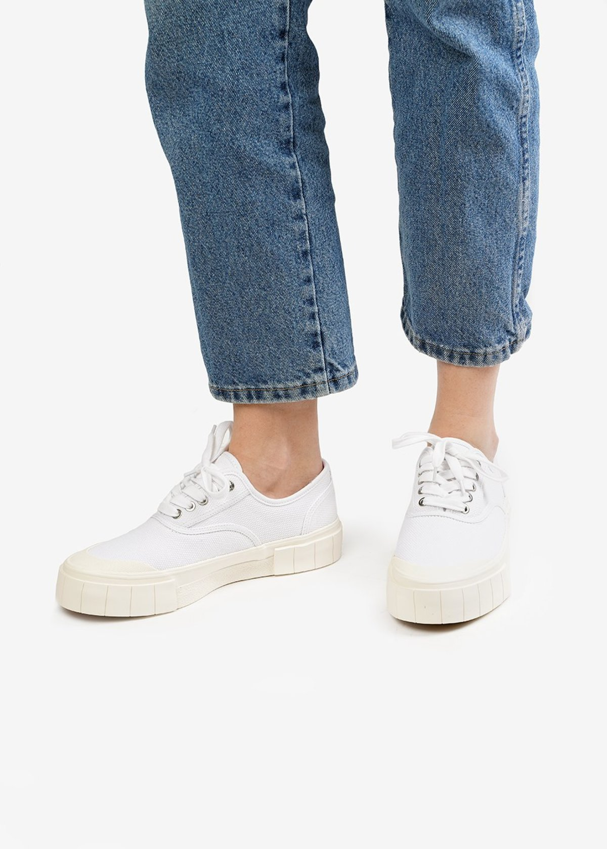 Unisex Good News Ace Sneakers - White